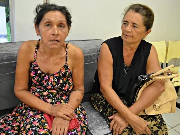 Francisca Silva (esq.) faz radioterapia contra cancêr de mama (Foto: Aline Nascimento/G1)