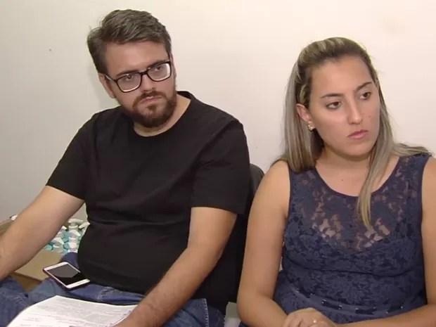Casais afirmam que precisaram pagar por nova decoração após golpe em Goiânia Goiás (Foto: Reprodução/TV Anhanguera)