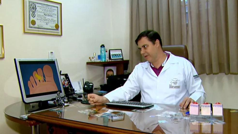 O dermatologista Moyses Lemos (Foto: Wilson Aiello/EPTV)