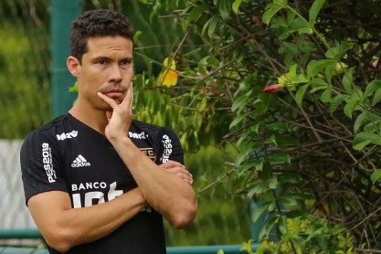 Hernanes deverá voltar ao São Paulo contra o Guarani — Foto: Jales Valquer/Estadão Conteúdo
