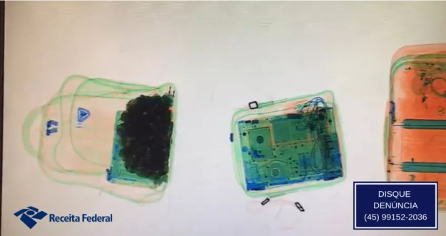 Pedras preciosas foram identificadas no scanner da Receita Federal  — Foto: Divulgação/Receita Federal