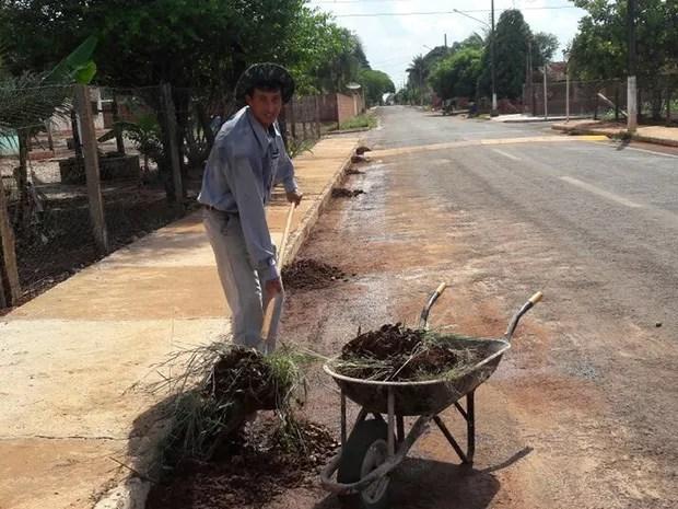 Joabe trabalhava como gari em Santo Afonso (Foto: Joabe de Almeida/ Arquivo pessoal)