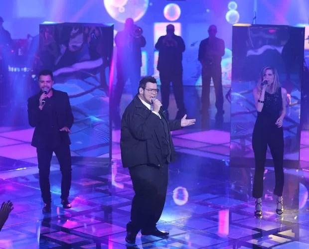 Lui dá um show no palco (Foto: Isabella Pinheiro/Gshow)
