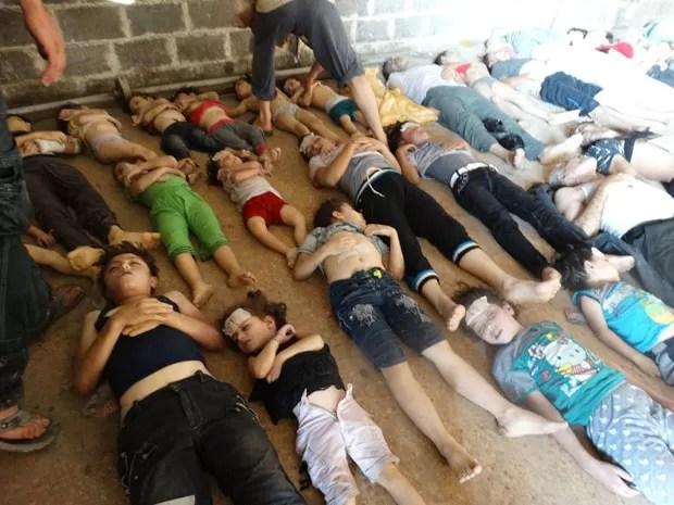Dezenas de pessoas, sendo muitas crianças, morreram nos ataques com gases lançados na última quarta (Foto: Shaam News Network/AP)