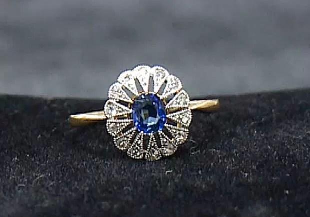 Anel de diamante e zafira recuperado do Titanic que ficará à mostra nos EUA (Foto: AP)