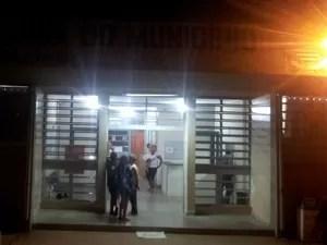 Fachada da delegacia de Santa Bárbara d'Oeste onde professor foi detido (Foto: Thomaz Fernandes/G1)