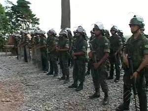 Homens do exército participaram de treinamento para, em caso de conflito, proteger um dos principais canteiros da usina de Belo Monte (Foto: Reprodução/TV Liberal)