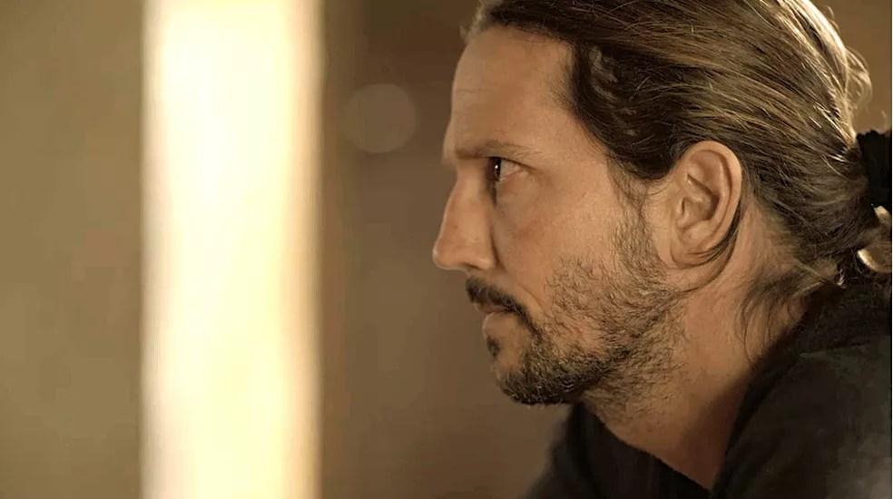 Davi (Vladimir Brichta) afirma que Sofia terá orgulho de ter um pai como ele — Foto: Globo