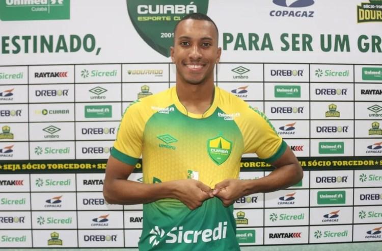Lucas Braga, novo atacante do Cuiabá — Foto: AssCom Dourado