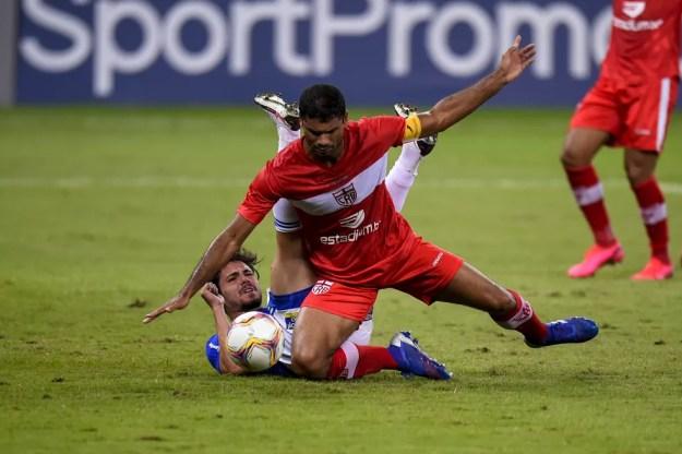 Gum voltará ao time após cumprir suspensão — Foto: Agência i7