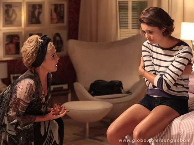 A it-girl fica mexida com as palavras da mãe (Foto: Sangue Bom/TV Globo)
