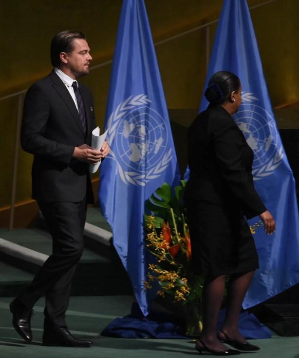 Leonardo DiCaprio na sede da ONU nesta sexta (22) (Foto: Jewel Samad/AFP)