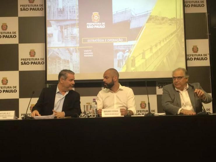 Covas apresenta plano de recuperação do viaduto — Foto: Gessyca Rocha/G1