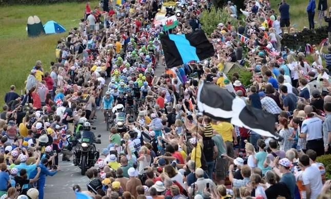Grande público no Tour de France 2014, entre as etapas de York e Sheffield
