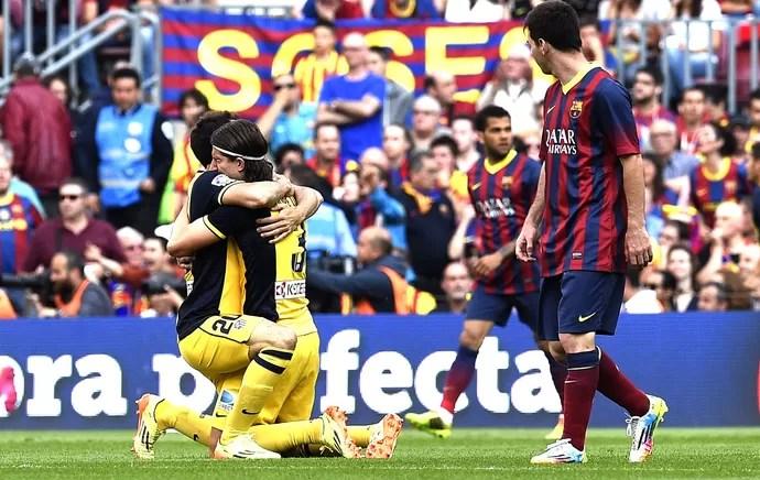 Felipe Luis e Messi Barcelona e Atlético de Madrid (Foto: Agência AFP )