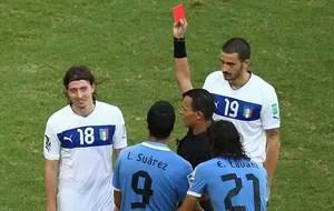 Djamel Haimoud arbitro argelino italia x uruguai COPA DAS CONFEDERAÇÕES 2013 (Foto: Getty Images)