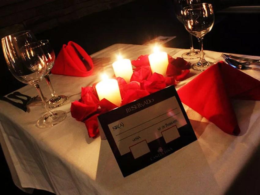 Decoração especial é preparada pelos restaurantes para deixar ambiente aconchegante (Foto: Divulgação / Canela Fina)