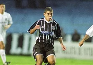 ricardinho corinthians santos semifinal paulista 13/05/2001 (Foto: agência Gazeta Press)