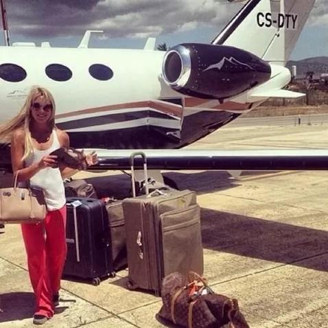 Viagem com jatinho particular e muita bagagem