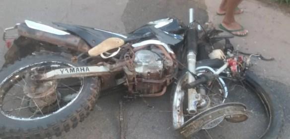 Casal que teve ferimentos considerados graves eram ocupantes da motocicleta — Foto: Divulgação/Polícia Rodoviária Federal