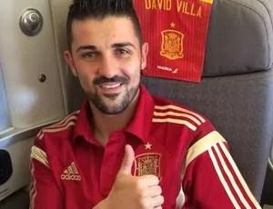 David Villa aparece no avião da Espanha após apresentação no New York City  (Foto  98638d8687751