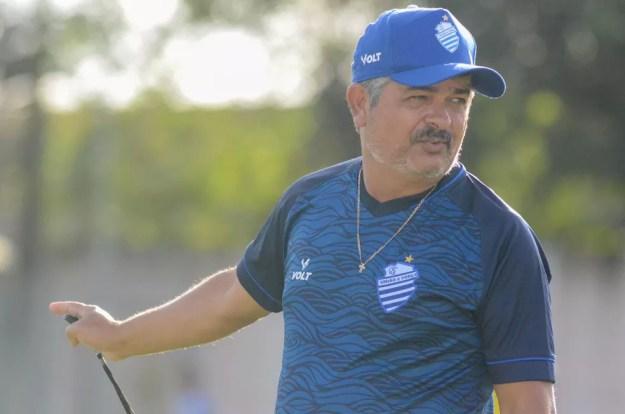 Ney Franco tem pouco tempo para ajustar a equipe — Foto: Augusto Oliveira/Ascom CSA