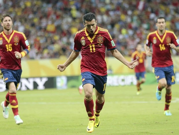 Pedro Rodriguez comemora, Espanha x Uruguai (Foto: EFE)