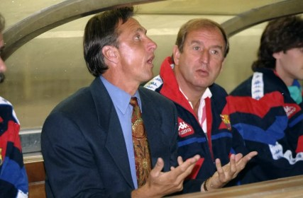 Johan Cruyff era o técnico do Barcelona na decisão de 1992 (Foto: Getty Images)