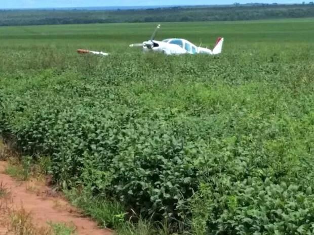 Segundo a Polícia Civil, avião teria realizado um pouso forçado na fazenda (Foto: Divulgação/Polícia Civil de Mato Grosso)