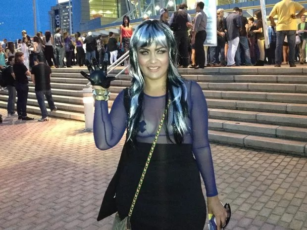 Texana Arlene, 26, fã de Lady Gaga, na porta do Coliseo de San Juan (Foto: G1)