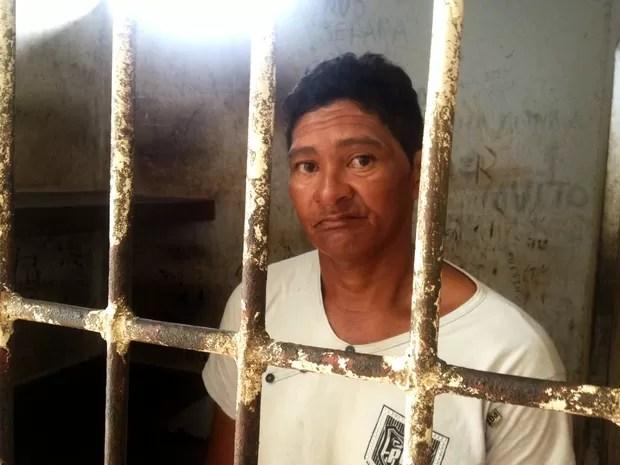 Suspeito de abusar das sobrinhas negou o crime na delegacia (Foto: Abinoan Santiago/G1)