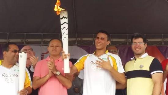 O lutador de jiu-jitsu Marcos Vinicius, que é campeão mundial na arte suave, chorou durante o percurso (Foto: Jocaff Souza/GloboEsporte.com)
