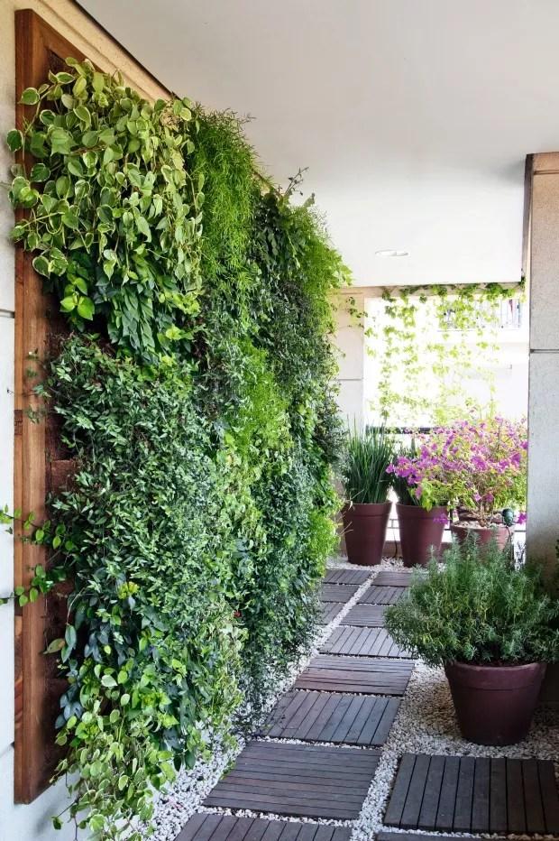 Descubra os benefcios do jardim vertical no vero  Casa