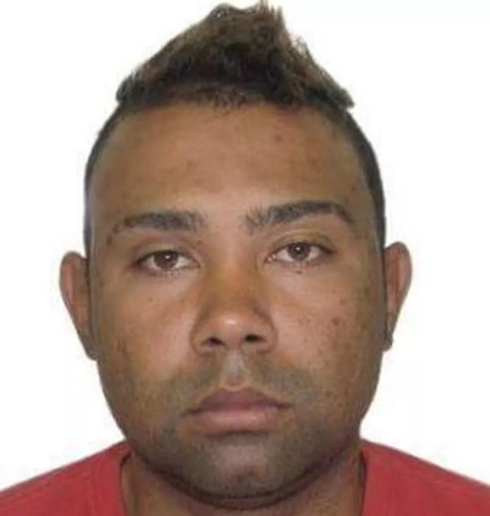 Homem foi encontrado morto na Rodovia Leste-Oeste, em Vila Velha (Foto: Reprodução / Facebook)