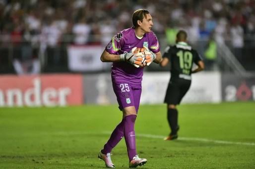 Armani em partida do Atlético Nacional contra o São Paulo (Foto: Marcos Ribolli)