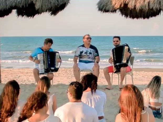 Xand Avião fez participação na música e no clipe de 'Deixa Acontecer' (Foto: Divulgação)