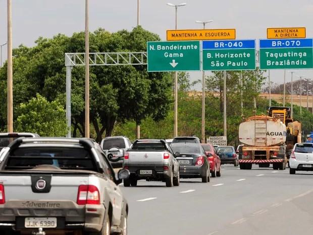 Veículos na BR-070, no Distrito Federal (Foto: Pedro Ventura/Agência Brasília)