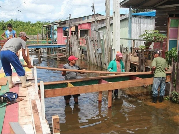 Prefeito Alexandre da Carbrás instituiu o Comitê Permanente de Assistência Humanitária (CPAH)  (Foto: Divulgação)