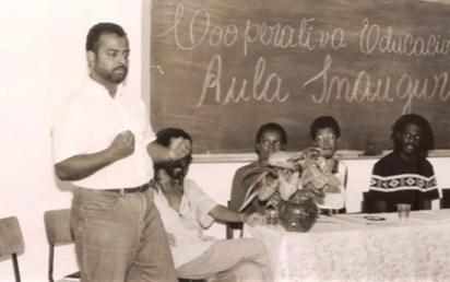 Aula inaugural do pré-vestibular, em Salvador, há 25 anos (Foto: Divulgação / Instituto Steve Biko)
