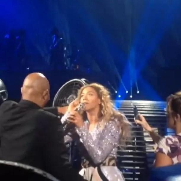 Beyoncé em show em Montreal, no Canadá (Foto: Instagram/ Reprodução)