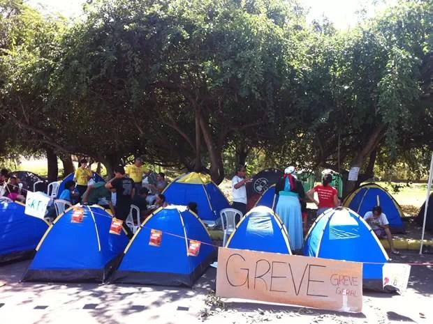 """Movimento """"Ocupa UFMT"""" começou nesta terça (31), após decisão de permanecer greve (Foto: Marcelo Ferraz/G1MT)"""