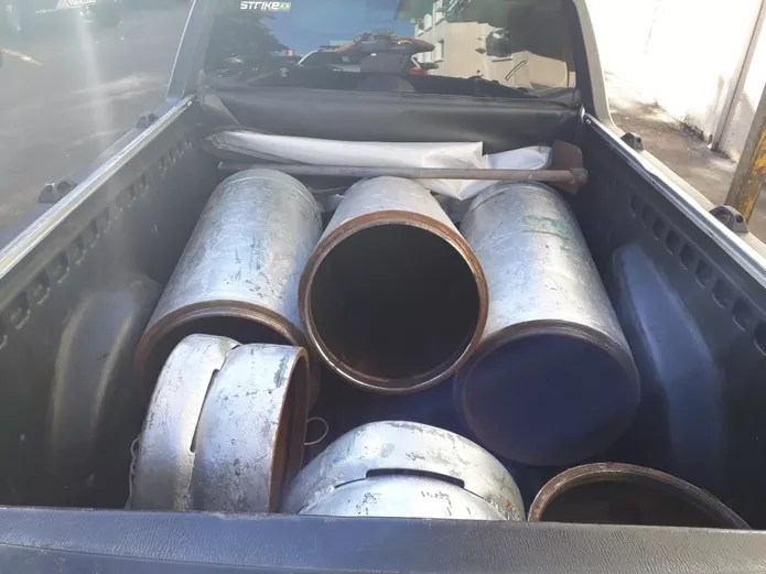 Droga foi transportada dentro de botijões de gás — Foto: Polícia Militar