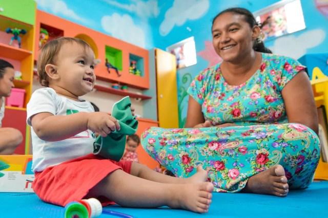 Especialistas garantem que quando mães e filhos passam mais tempos juntos maiores são os beneficiosos para ambos. Dentre eles: o fortalecimento do vínculo e fortalecimento emocional — Foto: PMBV.