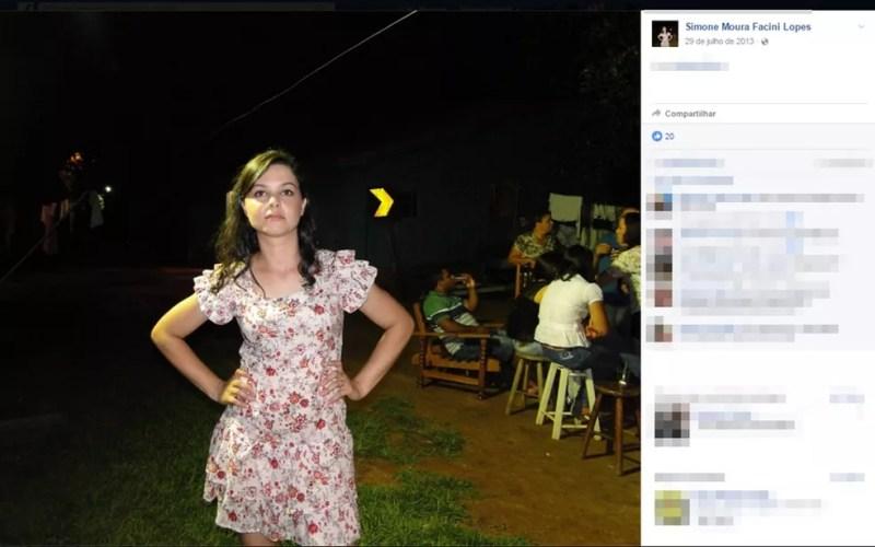 Simone foi encontrada morta e acorrentada à cama — Foto: Reprodução/Facebook