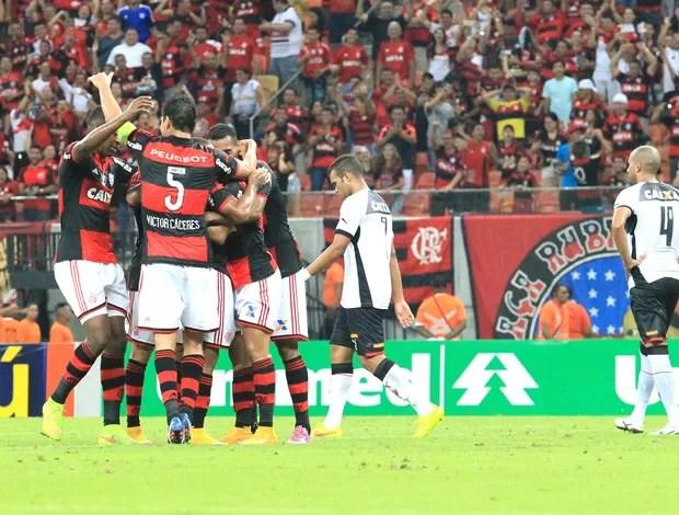 Comemoração do Flamengo contra o Vitória (Foto: Danilo Mello / Agência estado)