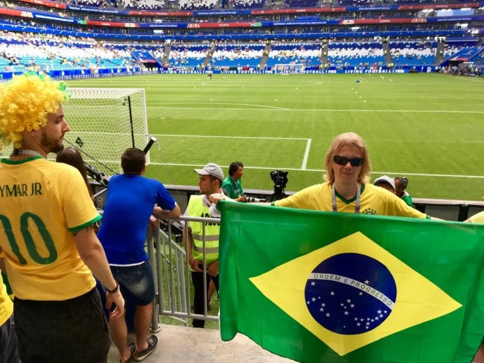 Foto de Yury Torsky no jogo do Brasil (Foto: Reprodução / VK)