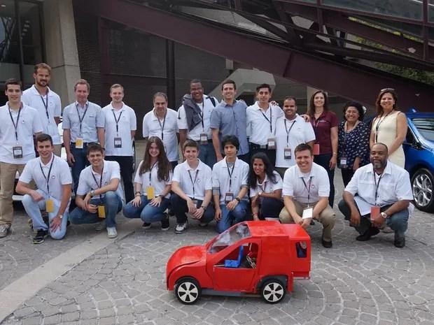 Alunos da USP criaram veículo compacto que pode ser compartilhado (Foto: Divulgação)