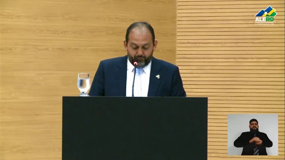 Deputado Laerte Gomes faz discurso de despedida da presidência da ALE-RO — Foto: Reprodução/ALE-RO