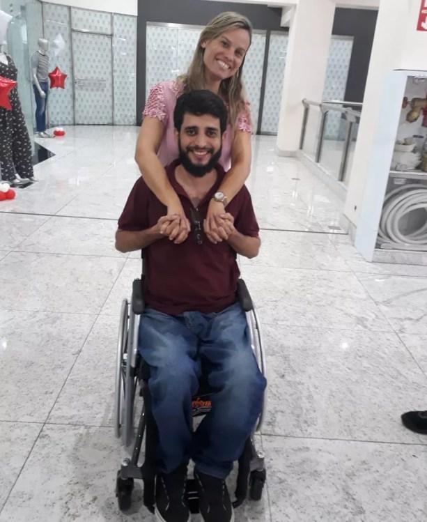 Ludmila foi uma das amigas que mobilizou outros amigos e quem conseguiu vaga no Sarah em Brasília — Foto: Airton Ferreira/Arquivo Pessoal