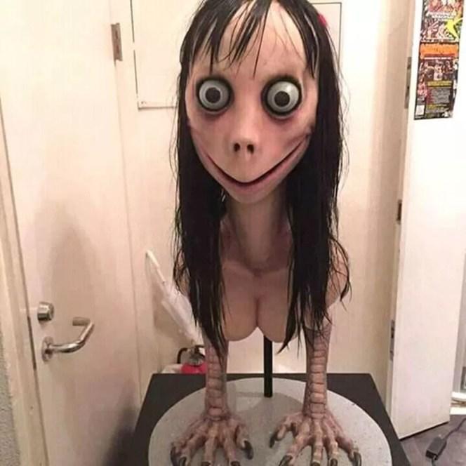 Momo é na verdade escultura no Japão — Foto: Reprodução / Internet